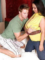 Busty plumper Camelia Davis goes horny for hardcore fucking with a stranger
