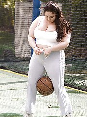 Raunchy fatty Monique LAmour doing sport exercises before getting fucked
