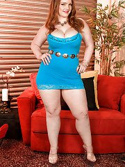 Hot fatty Contessa Rose provides the best views on her fat juggs and high heels