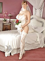 Big titted bbw bride in white lacy leotard and stockings brings out puffy boobs