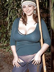 Cute fatty Christy Marks demonstrating big ass and huge breast in the back yard