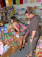 Butt milf reality fuck in a shop  big ass mommy gets plowed