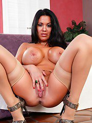 Latina milf stocking show from Sienna West posing on high heels