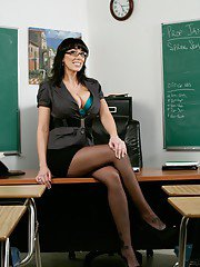 Mature teacher in glasses Alia Janine denudes her curvy assets