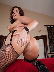 Horny babe Flower Tucci flaunting in stockings and spreading big ass
