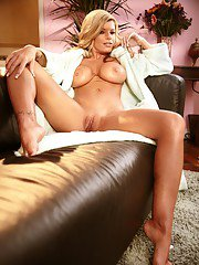 Luxurious busty MILF Kristal Summers strips and poses solo