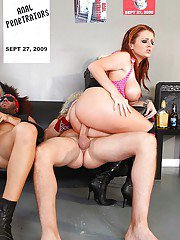 Punkish Sophie Dee and Bobbi Starr with big asses have groupsex
