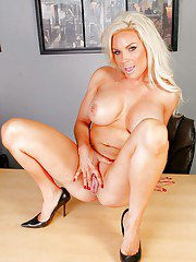 MILF teacher with huge juggs Diamond Foxxx gets to spreading her pussy