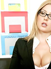 Puma Swede and Avy Scott please each others pussies with toys