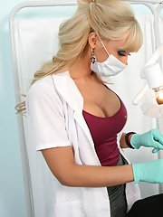 Busty doctor in Jessica Lynn gets a massive cock right in her twat