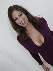 Busty MILF Lucky Benton gets banged hard in her stretched cunt