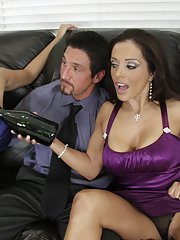 Busty MILFs Veronica Rayne and Francesca Le strip for a hot groupsex