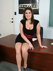 MILF teacher on high heels Austin Kincaid shows her ass and cunt