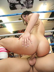 Sports babe with a hot ass Claire Dames gets her bottom hole banged