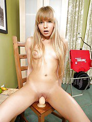 Sweet teen strips off her jeans and enjoys sensuous masturbation