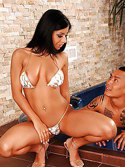 Super hot babe Kyra Black goes topless and shows her juicy hole