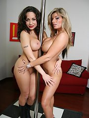 MILF babes Kristal Summers and Isabella Manelli show hot striptease