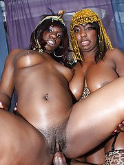 Fatty MILF babes Phylisha and Luxury have groupsex with buttfucking