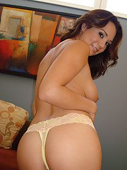 Amateur Latina MILF babe Holly West spreads her twat under panties