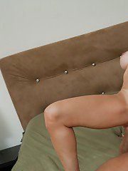 MILF babe with huge boobs Brandi Love has hardcore sex in reality