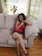 See big tits of Melissa Monet - hot milf outdoor posing in shorts
