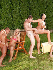 Pussy lick titjob blowjob in outdoor hardcore groupsex action