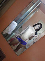 Amateur babes Tweety and Maryjane take pics naked in the bath