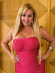 Chubby latin mature Micheli Couto demonstrating her juicy curves