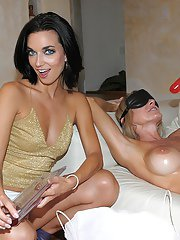 Blindfold makes reality hot for fucking milf in stockings Jade Jamison