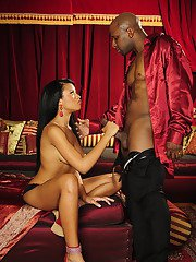 Cuddly ebony MILF Jada Fire gives a handjob and gets her pussy fucked