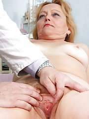Fat Mature gets her asshole stretched amp shit shoved in her hairy cunt