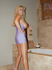 Gorgeous mature lady on high heels Wifey posing in the bath
