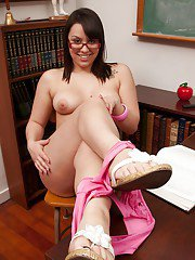 Chubby babe in glasses Bella Foxx exposing her tits and shaggy cunt