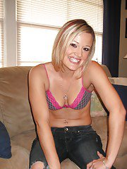 Amateur babe Jasmine Jolie slipping off her clothes and spreading her legs