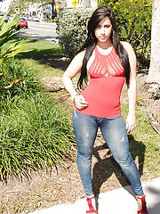 Bootylicious latina babe Valerie Kay slipping off her jeans outdoor