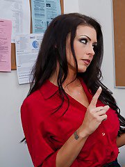 Gorgeous teacher Jessica Jaymes gets banged by lucky student