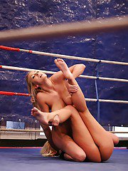 Catfight loser licking and fingering horny winners holes
