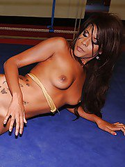 Sporty babes Cindy Hope  Keisha Kane are into hot nude wrestling