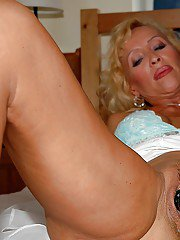 Busty mature blonde Lenda Murray gets her cunt nailed by a younger guy