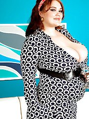 Fatty MILF Lisa Canon flashing her panties and uncovering her big boobs