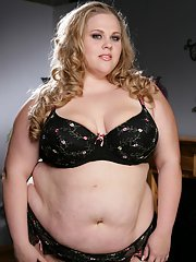 Blonde plumper in lingerie Christina Curves stripping and toying her muff