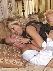Sexy MILF Jessica Drake gets her pussy licked and nailed hardcore