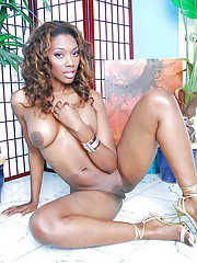 Naughty ebony vixen Nyomi Banxxx uncovering her voluptuous curves