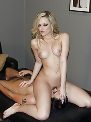 Foot fetish vixen Alexis Texas stripping and face sitting a guy