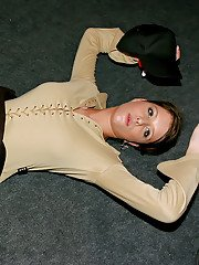 Horny slut Francesca Felucci spends some good time at the drunk party