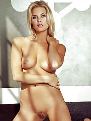 Foxy blonde with shaved cooter Hunter McCloud slipping off her lingerie