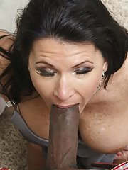 Salacious brunette MILF is into interracial pussy pounding