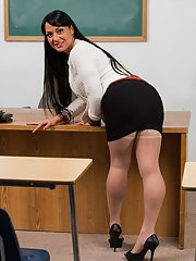 Lusty mature teacher Mahina Zaltana uncovering her curvaceous body