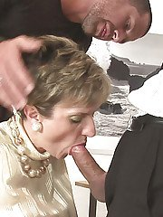 Cock starving mature lady gets blowbanged by  two well-hung lads