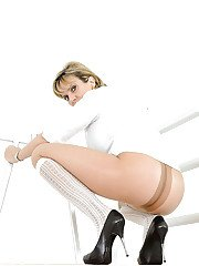 Naughty mature blonde ripping her pantyhose and picturing herself